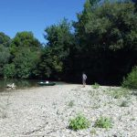 Vue sur l'Aude et un banc de cailloux