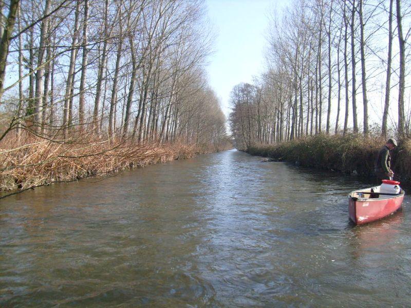 Notre canoë sur la rivière Bourbre