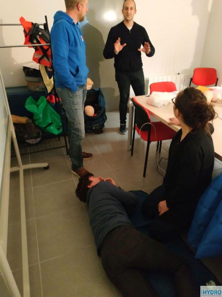 Photo d'une mise en situation lors de la formation SST (sauveteur secouriste du travail)