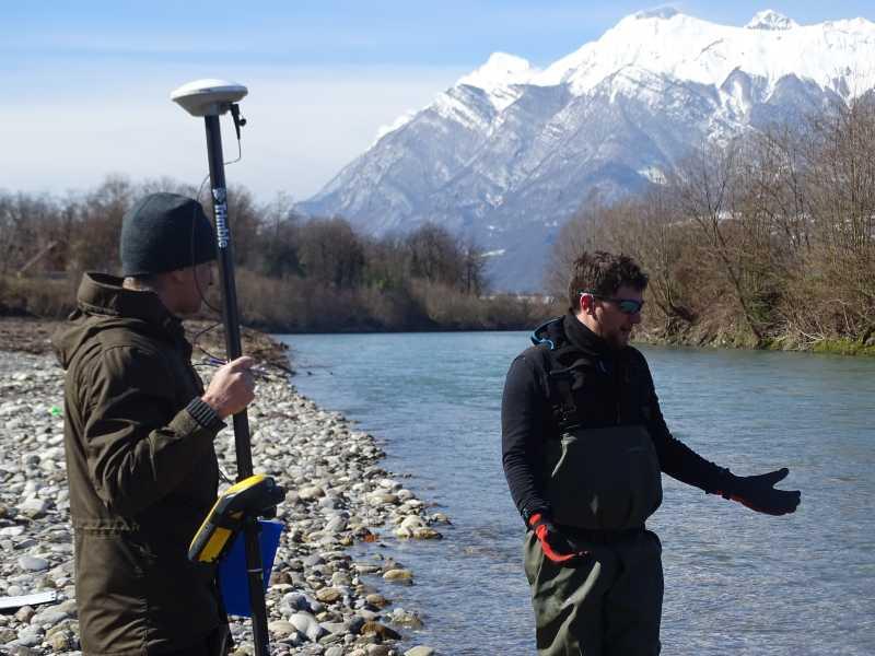 Loïc et Clément avec le GPS