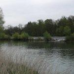 DOUBS : vue sur le barrage et la rivière