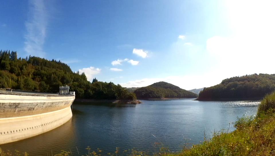 Suivi sédimentaire : vue du barrage de Maury sur la Selves, Aveyron