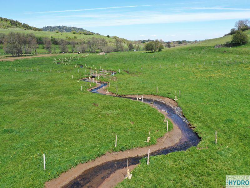 Restauration écologique : vue de la rivière Veyre depuis notre drone un an après les travaux