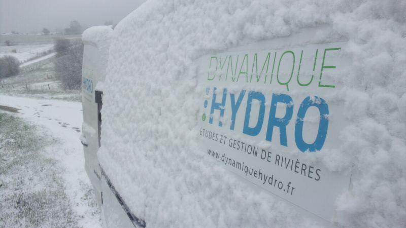 Terrain : notre utilitaire recouvert de neige en Auvergne !